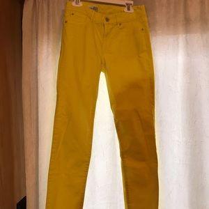 Yellow !  Gap Jeans Size 25